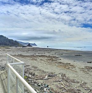Gold Beach Getaway With Hot Tub, Deck And Ocean Views! photos Exterior