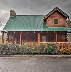 Romantic Pigeon Forge Cabin With Hot Tub, 4Mi To Dtwn photos Exterior