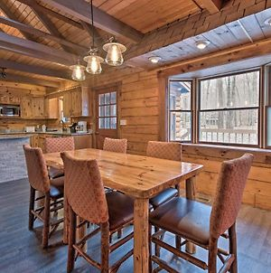 Pocono Log Cabin With Fireplace, Fire Pits, Amenities photos Exterior