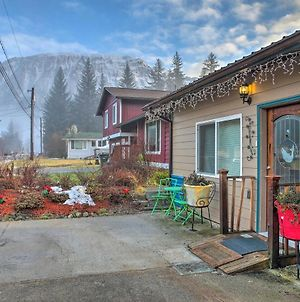 Quaint Juneau Apt With Scenic Mountain Surroundings! photos Exterior