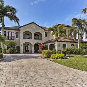 Lux Cape Coral Home With Pool, Lanai & Boat Slip photos Exterior