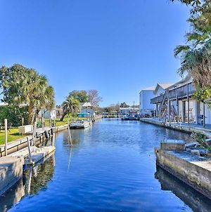 Cozy Riverfront Homosassa Cottage With Boat Slip photos Exterior