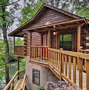 Riverfront Cabin With Fire Pit - 5 Mi To Pigeon Forge photos Exterior