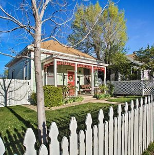 Serendipity Cottage With Yard, Walk To Town And Dining! photos Exterior