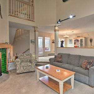 Ski-In Condo With Hot Tub On Burke Mtn Slopes! photos Exterior