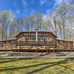 Family Home With Deck, Walk To Big Bass Lake! photos Exterior