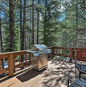 Cabin With Hot Tub And Bbq Deck Less Than 4 Mi To Donner Lake! photos Exterior