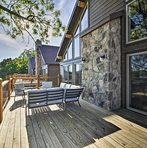 Table Rock Lake Home With Bluff Views Of Water! photos Exterior