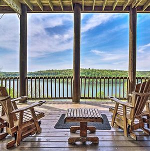 Spacious Cabin On Dale Hollow Lake With Hot Tub! photos Exterior