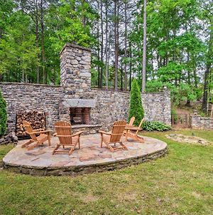 Large Dahlonega Home, Ideal For Family Gatherings! photos Exterior
