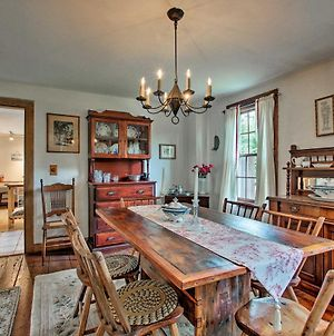 Charming 1860S Westerly Home With Deck & Grill! photos Exterior