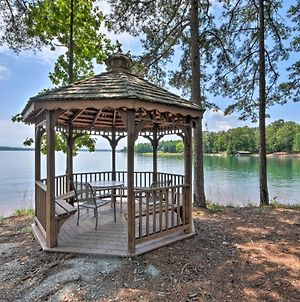 Condo On Lake Keowee With Resort Amenities, Pool photos Exterior