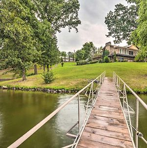Lakefront Hot Springs Home With Hot Tub And Dock! photos Exterior