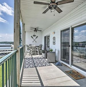 Lakefront Camdenton Condo With Deck, Shared Pool photos Exterior
