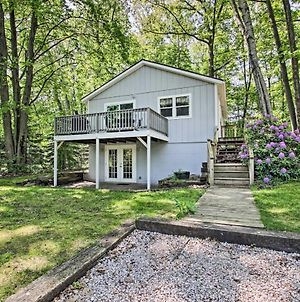 Ludington Cottage With Deck, Yard & Fire Pit! photos Exterior