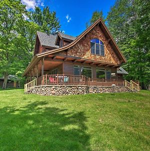 Lakefront Superior Cottage With Deck And Boat Dock photos Exterior