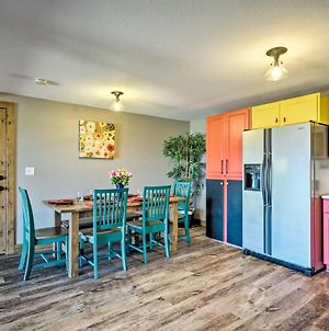 Bright, Renovated Home With Views Of Pikes Peak! photos Exterior