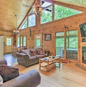 Mtn Cabin With Hot Tub And Deck 12 Mi To Pigeon Forge! photos Exterior