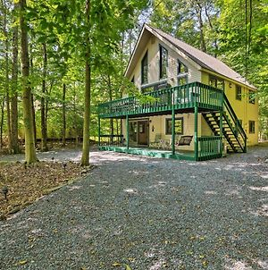 Pocono Lake Home With Hot Tub And Comm Amenities! photos Exterior