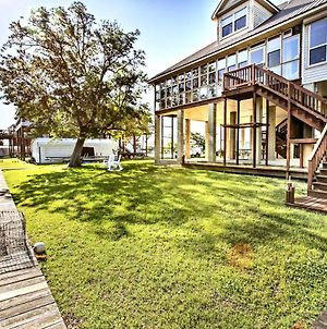 Reelin And Dealin New Orleans Waterfront Home photos Exterior