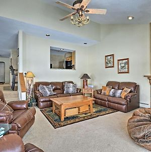 Mtn Home With Hot Tub On Golf Course, Walk To Lift! photos Exterior