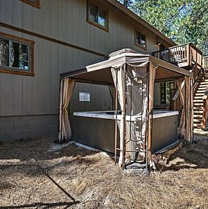 South Lake Tahoe Home With Hot Tub, Deck & Fire Pit! photos Exterior