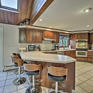 Bourne Home With Hot Tub & Deck, 10 Mins To Beaches! photos Exterior
