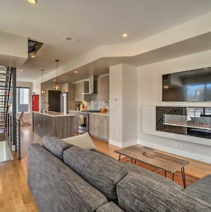 Fully Loaded Denver Townhome 1 Block To Mile High photos Exterior