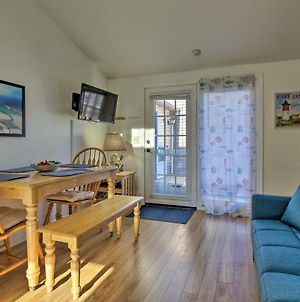 Cozy Condo With Private Deck, Walk To Beach And Dining photos Exterior