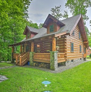 Lake Wallenpaupack Cabin With Shared Pool! photos Exterior