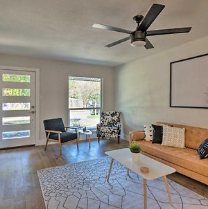 Trendy Austin Abode With Deck And Yard - 6 Mi Downtown! photos Exterior