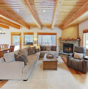 Updated Lodge-Style Home With Prime Donner Location! Home photos Exterior