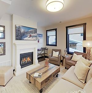 New Listing! Canyons Basecamp W/ Private Hot Tub Townhouse photos Exterior
