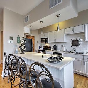 Charming Indy Condo With Balcony Nestled In Dtwn photos Exterior