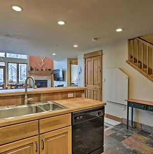 Cozy Ski Condo With Shuttle & Mountain Access! photos Exterior