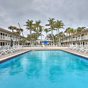 Oceanfront Miami Beach Condo With Resort Pool Access photos Exterior