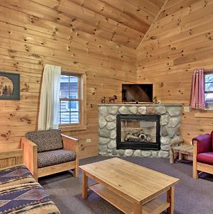 Pet-Friendly Family Cabin At The Double Jj Resort! photos Exterior
