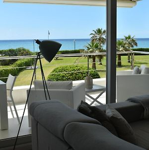 Luxurious Apartment In Front Of The Beach Gava Mar photos Exterior