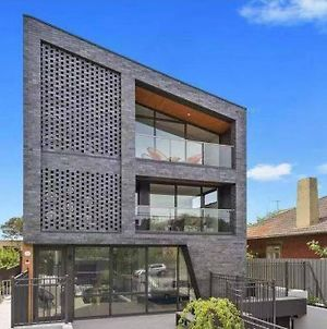 106 Modern Prestige 3 Storey New Establishment photos Exterior