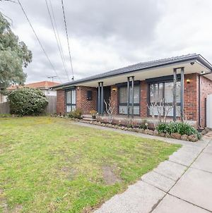 111*Relaxing Family Getaway In Burwood photos Exterior