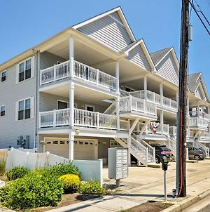 Condo With Deck Walk To Beach And Convention Center! photos Exterior