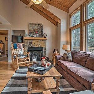 Christoffs Chalet With Hot Tub - 2 Mi To Downtown photos Exterior