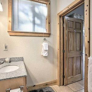 Rustic Tahoe Home With Hot Tub 12 Mi To Squaw Valley photos Exterior