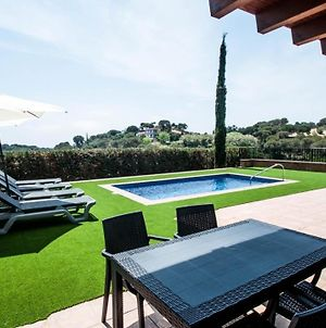 Lloret De Mar Villa Sleeps 8 With Pool Air Con And Wifi photos Exterior