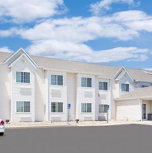 Microtel Inn & Suites By Wyndham Colfax/Newton photos Exterior