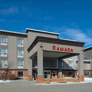 Ramada By Wyndham Cochrane photos Exterior