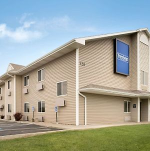 Travelodge By Wyndham Missouri Valley photos Exterior