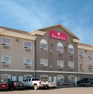 Ramada By Wyndham Weyburn photos Exterior