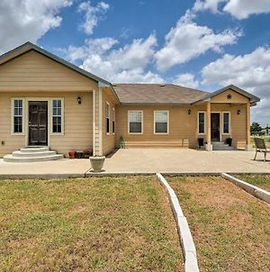 Home With 3 Acres - 4 Mi To Circuit Of The Americas! photos Exterior