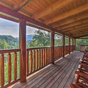 'Boogie Bear' Sevierville Cabin With Deck & Jacuzzi! photos Exterior